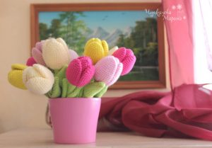 mothers day knitted flowers